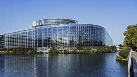 Pesquisas sugerem que grupos populistas e eurocéticos ganharão cadeiras no Parlamento europeu, que tem dois plenários, um em Bruxelas e outro em Estrasburgo (foto)