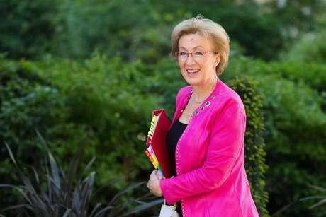 Impasse com Brexit faz líder da Câmara dos Comuns renunciar