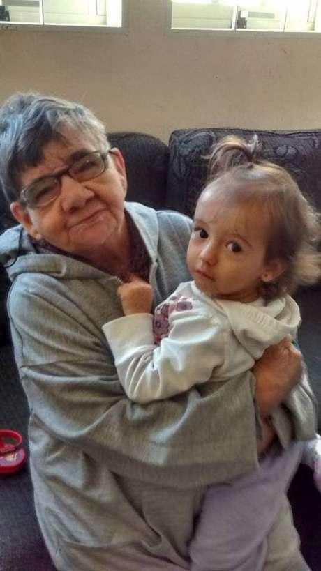 Com cerca de 67 anos, Cotinha começou a chamar Gláucia de mãe ao ver Emily fazer o mesmo