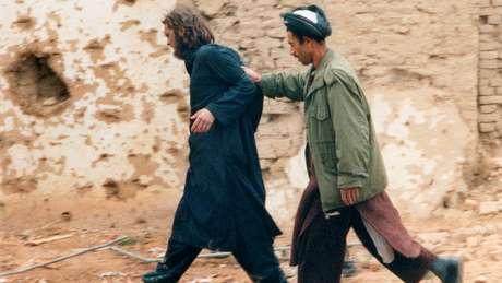 Momento da captura de Lindh: mais de 300 pessoas nos Estados Unidos foram condenadas por acusações relacionadas a terrorismo jihadista desde 2001