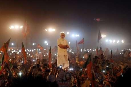 Muitos indianos parecem acreditar que Modi é um messias que vai resolver os seus problemas