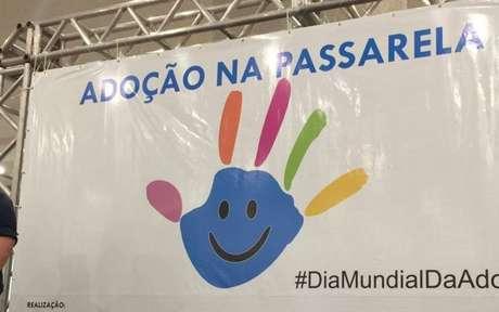 Ação 'Adoção na Passarela' contou com o apoio de diferentes organizações voltadas para o direito das crianças e dos adolescentes.