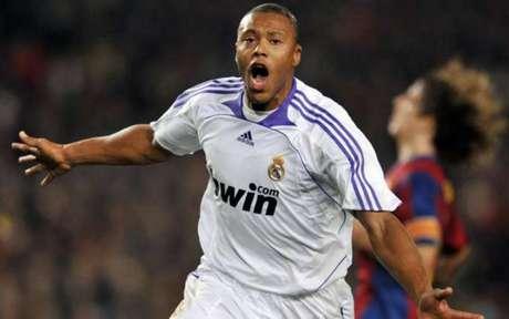 Julio Baptista defendeu grandes clubes na Europa como Real Madrid, Arsenal e Roma (Divulgação)