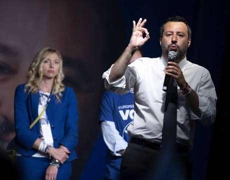 Matteo Salvini participa de comício em Castel San Giovanni, em Milão