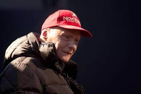 Lauda será enterrado em traje de corrida
