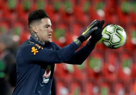 Ederson será titular do gol brasileiro em amistoso contra o Catar