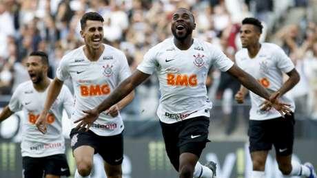 Zagueiro Manoel retorna ao time após desfalcar o Timão no meio da semana (Marco Galvão/Fotoarena/Lancepress!)