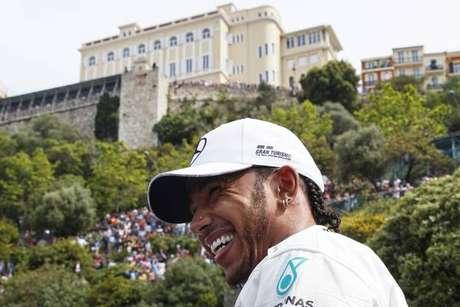 Hamilton conquista a pole position do GP de Mônaco