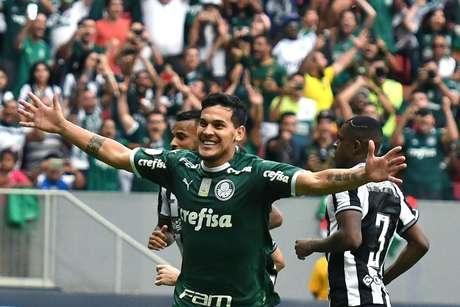 O zagueiro Gustavo Goméz marcou o único gol da partida entre Palmeiras e Botafogo, realizada no estádio Mané Garrincha, em Brasília