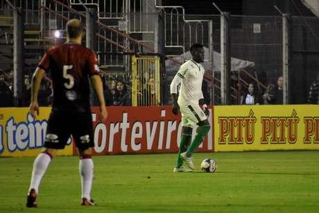 """O Coelho """"herdou a lanterna da Série B que estava com o Brasil de Pelotas, perdendo seu quarto jogo em cinco rodadas- (Divulgação/América-MG)"""