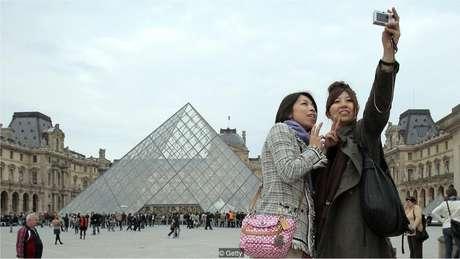 """""""Síndrome de Paris"""" surgiu quando turistas japoneses desenvolveram psicose, aparentemente ao perceberem que Paris não é a cidade dos seus sonhos"""