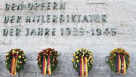 Dezenas de milhares de adversários políticos foram assassinados pelos nazistas