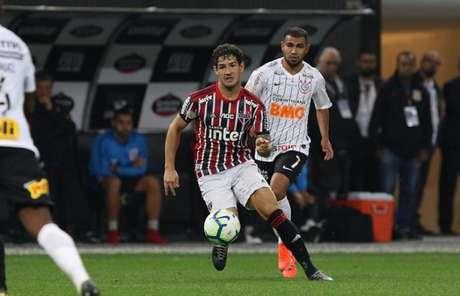 Alexandre Pato reencontrou seu ex-clube e reconheceu que não foi bem no jogo (Foto: Rubens Chiri/saopaulofc.net)