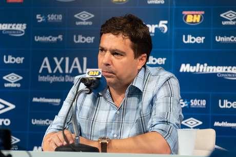 Itair Machado, vice-presidente de futebol do Cruzeiro, durante entrevista coletiva no CT Toca da Raposa II, em Belo Horizonte (MG)