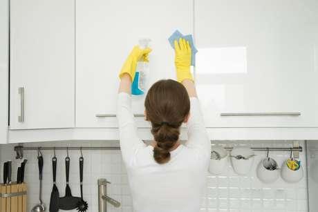 Veja como evitar traças na cozinha com dicas simples