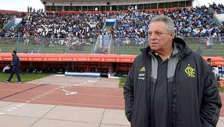 Abel Braga não resistiu à pressão no Flamengo e deixou o cargo