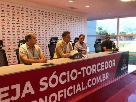 Landim concedeu coletiva para falar sobre o pedido de demissão do técnico Abel Braga (Foto: Divulgação)