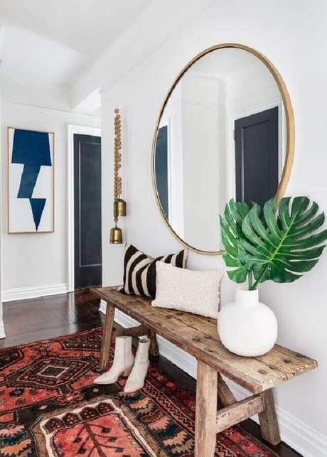 13. Espelhos são ótimas dicas de decoração para casa – Foto: Andy Ryan