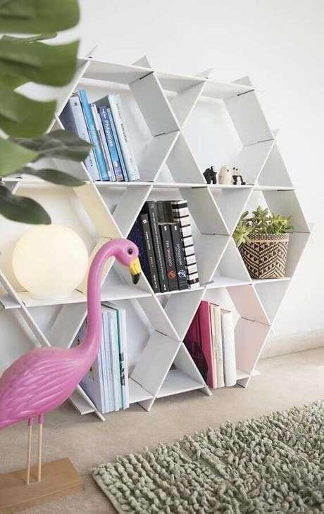 14. Utilize livros como dicas de decoração – Foto: Etsy