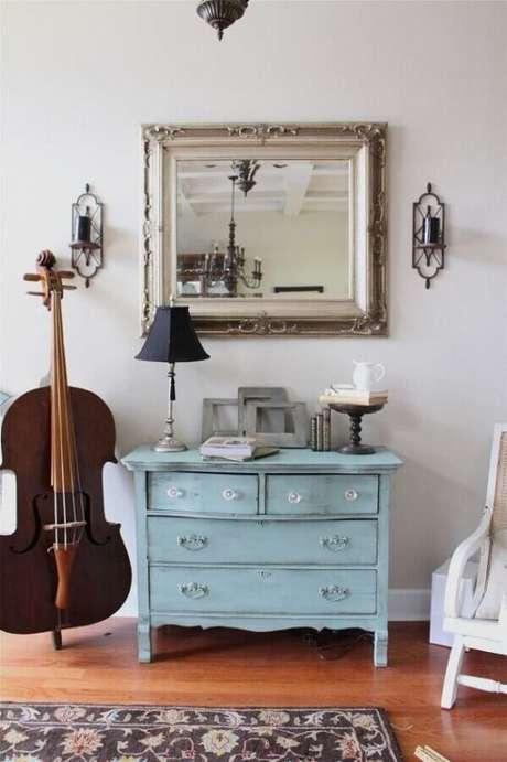 16. Dicas de decoração para casa com móveis antigos – Foto: Creative Juices Decor