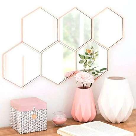 1. Invista em pequenos objetos decorativos para renovar a decoração da sua casa – Foto: AranyaWiwake
