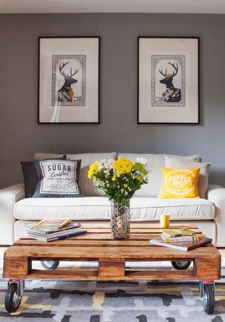 59. Dicas de decoração para sala com mesa de centro de pallet – Foto: Pinterest