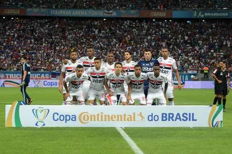 Time posado do São Paulo durante a partida entre Bahia e São Paulo, válida pela Copa do Brasil 2019 na Arena Fonte Nova em Salvador (BA), nesta quarta-feira (29).