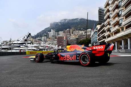 """Verstappen afirmou que foi """"divertido brigar em segundo lugar"""""""
