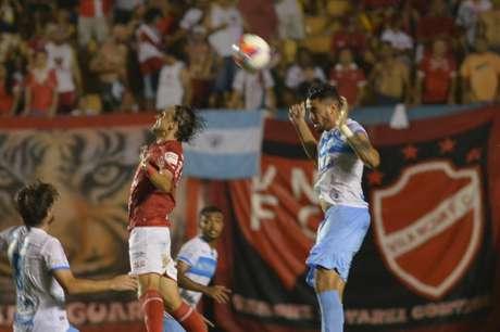 Vila Nova-GO x Londrina (Foto: Carlos Costa/Lancepress!/AFP)