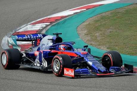 Kvyat acredita que Toro Rosso teve bom ritmo em todas as corridas até agora