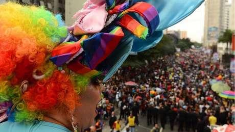 A Parada do orgulho LGBT de São Paulo reúne milhões de pessoas; neste ano, o evento homenageará os 50 anos da revolta de Stonewall