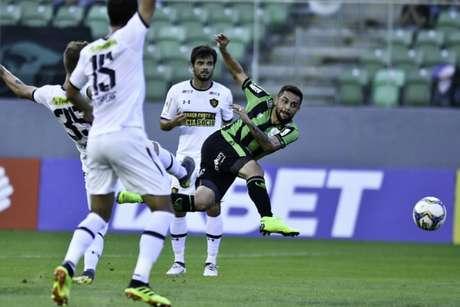 Nas duas vezes que jogou em casa, o time americano por derrotado por Sport-PE(foto) e Botafogo-SP-(Divulgação/América-MG)