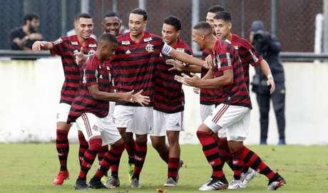 Jogadores do Flamengo fazem a festa em jogo de ida da final da Taça Guanabara contra o Vasco (Foto: Gilvan de Souza / Flamengo)