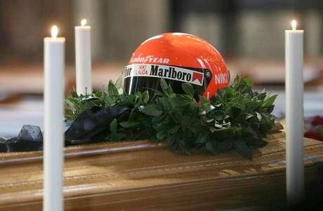 Explicada a ausência de Vettel no funeral de Lauda