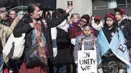 Ativistas afirmam que centenas de garotas e mulheres indígenas foram mortas no genocídio racial