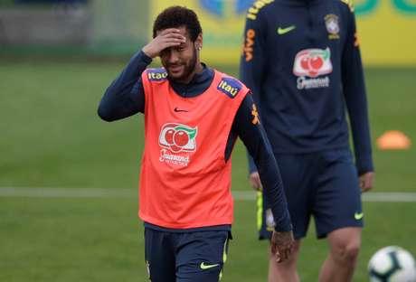 Neymar durante o treinamento com a Seleção no domingo, 2, após acusação de estupro ser divulgada