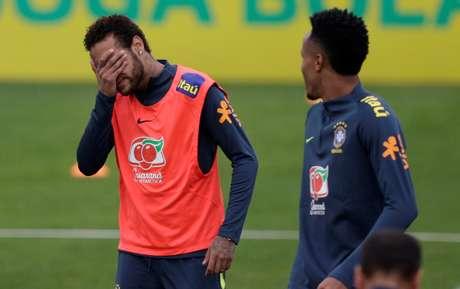 O atacante Neymar em treino da Seleção Brasileira