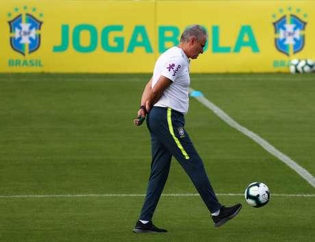 O técnico Tite durante treino da Seleção