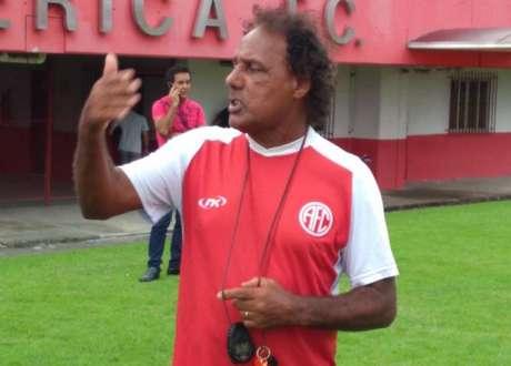 Luizinho passou ainda por Flamengo, Botafogo, Internacional e Palmeiras (Foto: Divulgação)