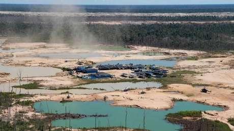 A mineração legal (acima, mineradora no Peru) foi um dos riscos identificados pelo estudo
