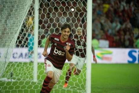 Rodrigo Caio comemora gol do Flamengo contra o Corinthians no Maracanã (Alexandre Vidal/Flamengo)
