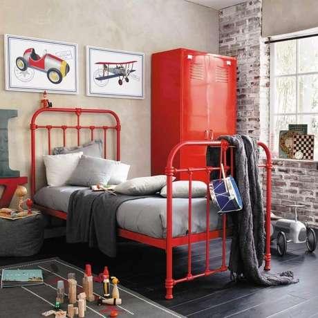 25. Tons de vermelho também podem ser usados para compor a decoração do quarto infantil – Foto: Pinterest
