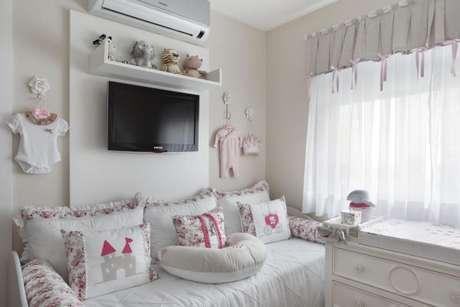 8. Decoração de quarto de luxo infantil com decoração clean – Foto: Leticia Araujo