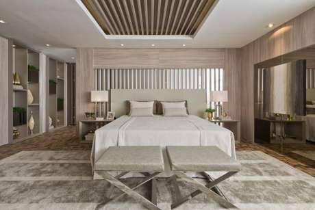 1. Quarto de luxo com elementos confortáveis e aconchegantes. – Foto: Casa Cor