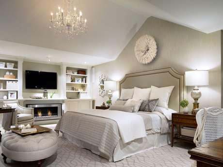 70. Decoração para quarto de luxo neutra – Foto: Candice Olson Bedrooms