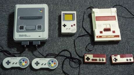 Videogames da Nintendo Super Famicon, Gameboy e Game Machine, de 1992