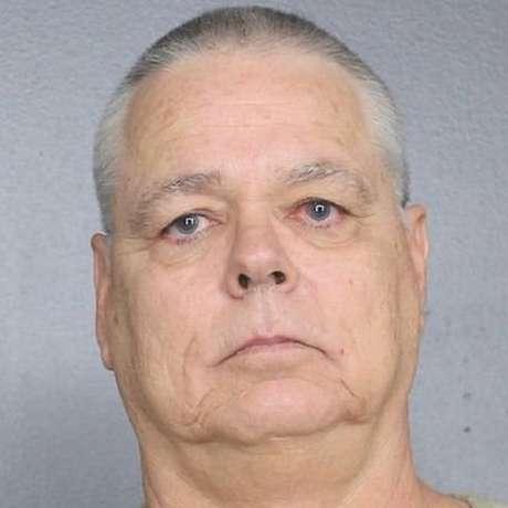Scot Peterson foi acusado de negligência depois que ele não conseguiu enfrentar um atirador na escola