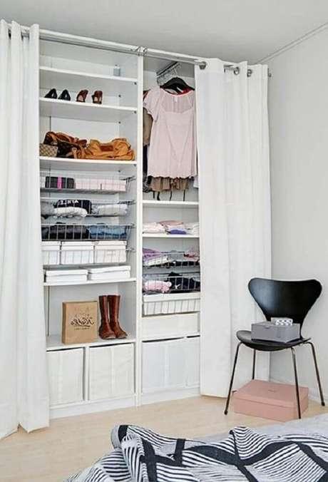 67. Caso o closet aramado seja muito alto, tenha sempre uma cadeira ou uma escadinha para auxiliar.