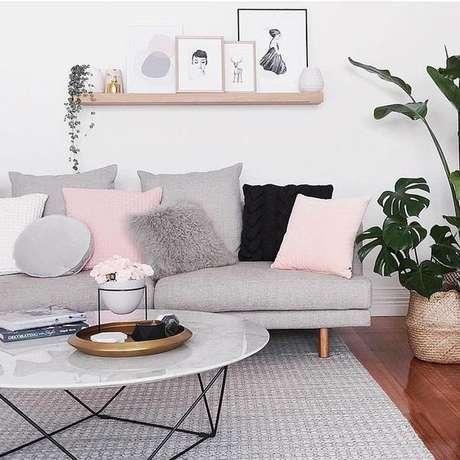 25. A cor cinza possui diversos tons, escolha a que mais combina com você! – Foto: Pinterest