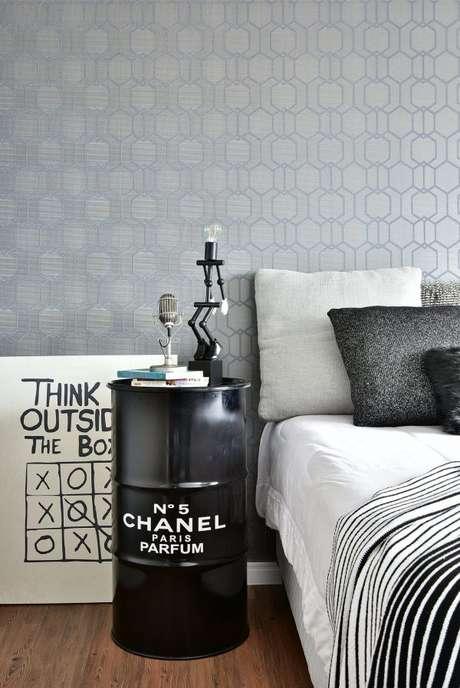 3. Destaque o minimalismo da sua casa com cores que combinam com cinza! – Foto: Tetriz Arquitetura